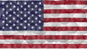 4K οι σφαίρες ποδοσφαίρου αφορούν κάτω ένα λευκό και διαμορφώνουν μια αμερικανική σημαία ελεύθερη απεικόνιση δικαιώματος