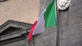 4K 意大利沙文主义情绪在风,位于平民表决广场,那不勒斯 股票视频