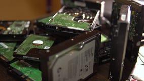 硬盘驱动器 被拆卸的硬盘驱动器4K 影视素材