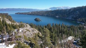 4K aérien Emerald Bay, panorama du lac Tahoe, la Californie Etats-Unis images stock