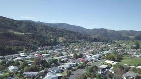 4K aereo, cittadina tipica, Nuova Zelanda stock footage
