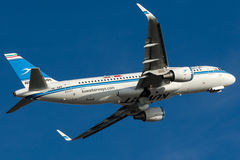 9K-AKF Kuwait Airways, Airbus A320-214 Imagem de Stock
