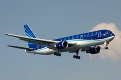 4K-AZ81阿塞拜疆航空公司波音767-32L 库存图片
