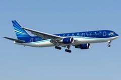 4K-AZ81阿塞拜疆航空公司,波音767-300 库存照片