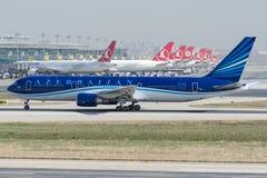 4K-AZ81阿塞拜疆航空公司,波音767-32L/ER 库存照片