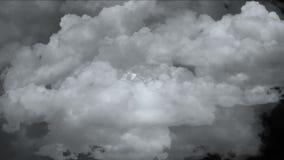 4k burzy chmury zaparowywają benzynowego dym, zanieczyszczenie mgiełki niebo, atmosfery pogodowy tło royalty ilustracja
