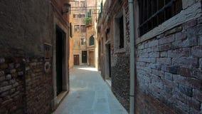 4K Chodzący wąska ulica w Wenecja, Włochy Podmiotowy strzał zbiory