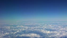 4K, Cudowny widok chmury z góry, jak widzieć samolotowego okno zbiory
