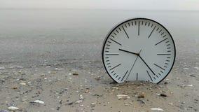 4K czasu pojęcia tło, zegar w wodzie na piasek plaży oceanie i Denni frajery na horyzoncie, zbiory