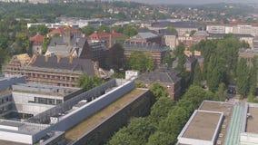 4K de lezingszaal van hommel luchtturkije Dresden, Technische Universiteit stock footage