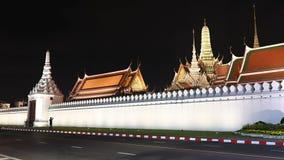 4K de mening van de tijdtijdspanne van Wat Phra Kaew of tempel van Emerald Buddha in Bangkok stock videobeelden