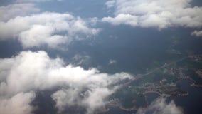 4K de Metropolitaanse Stad van satellietbeeldbusan van hierboven met Wolken in Zuid-Korea stock videobeelden
