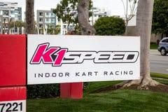 K1 de Snelheidsbouw teken royalty-vrije stock afbeelding