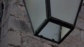 4K Detaljer av en lampa i den gamla staden av Dubrovnik, Kroatien Gammal lampa på fasad stock video