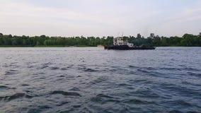 4K, dwa barka żagla na szerokiej rzece Zaporoski przed zmierzchem zbiory wideo