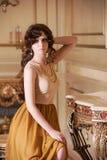 kędzierzawi portreta kobiety potomstwa Zdjęcie Royalty Free