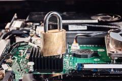 Kędziorek chip komputerowy analizy naprawa peceta laptop Obrazy Royalty Free
