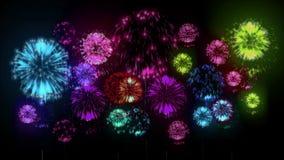 4K - fuegos artificiales Celebración del día de fiesta, fuegos artificiales grandes en la noche del día de fiesta Versión 14