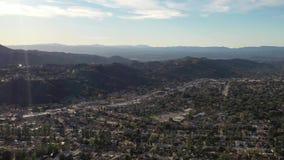 4K κεραία Λα του Λος Άντζελες Καλιφόρνια λόφων του Μπούρμπανκ Πασαντένα Glendale Hollywood απόθεμα βίντεο