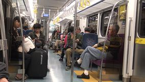 4K Hd ultra, reis in de kleine lokale trein van Taipeh in Taiwan stock footage