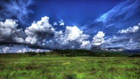 4k. HDR Tid schackningsperiod. Crimean naturlandskap med moln