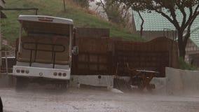 4K Heavy Rain Strzelający dżdżysta ulica zbiory