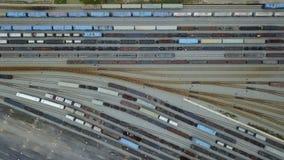 4K hoogste mening van de werf van het spoorwegspoor stock videobeelden
