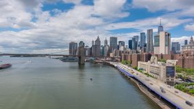 4k hyperlapse video van de horizon van Manhattan en de Brug van Brooklyn stock videobeelden