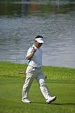 K J Choi progresse sur le vert Photo libre de droits