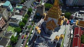 4K luchtmening van Wat Traimit stock video