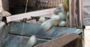 4k machen Silk Thread stock video