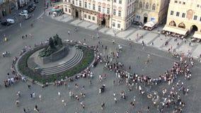 4K Monument de Jan Hus Memorial dans la vieille place, Prague clips vidéos