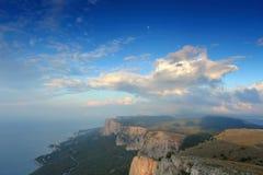 4K. Movimiento de las nubes en la montaña Merdven-Kayasy.