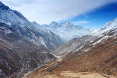4K. Movimiento de las nubes en las montañas Thaog, Himalaya, Nepal