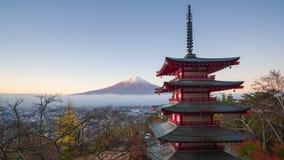 4K Mt时间间隔  与Chureito塔的富士在秋天,日本 影视素材