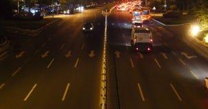 4k nighttime ruch drogowy w miastowym mieście, Porcelanowej autostrady drogowy uliczny timelapse zbiory