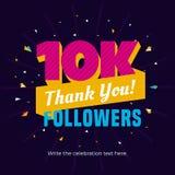 10k ou 10000 seguidores cardam o molde do cargo da bandeira para comemorar muitos seguidores em redes sociais em linha dos meios ilustração do vetor