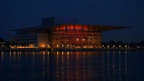 K?penhamnoperahus p? natten, K?penhamn, Danmark, Europa arkivfilmer