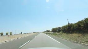 4k POV timelapse驾驶通过在高速公路的强烈的交通的到海滩,意大利 股票视频