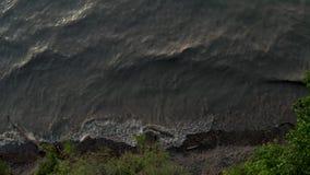 4k Powietrzny materiał filmowy potężne jeziorne fale zbiory