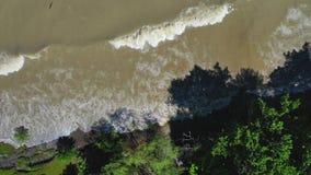 4k Powietrzny materiał filmowy Potężne Jeziorne fale zdjęcie wideo