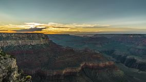4K que mueve el clip de la película de la película de Timelapse del parque nacional de Grand Canyon durante la puesta del sol, Ar almacen de video