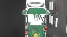 4k satellietbeeld van de mening van het de vogeloog van het cruiseschip stock footage