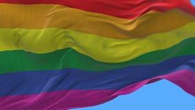 4k se cierran para arriba de agitar lento de la bandera del arco iris del orgullo gay en viento Alpha Channel libre illustration