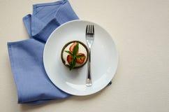K?sekuchen mit Erdbeeren Men? f?r Kinder stockfotos