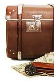 kłaść starą pieniądze walizkę zdjęcie royalty free