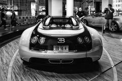 (0) 00 4 8 16 52 253 268 408 431 kąta bugatti samochodowych butli eb parowozowych silników równoznacznego szybkiego cechy uroczys Zdjęcie Stock