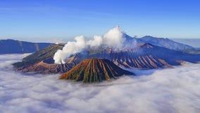 4K tijdtijdspanne van Bromo-vulkaan bij zonsopgang, Oost-Java, Indonesië stock video