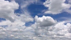 4K tijdtijdspanne van witte wolken stock videobeelden