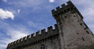 4K Timelapse av en slott i Bellinzona, Schweiz stock video